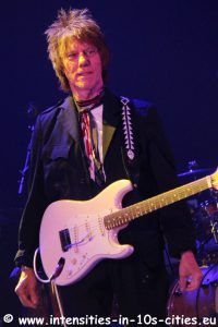 Jeff-Beck_25oct2016_0131.JPG