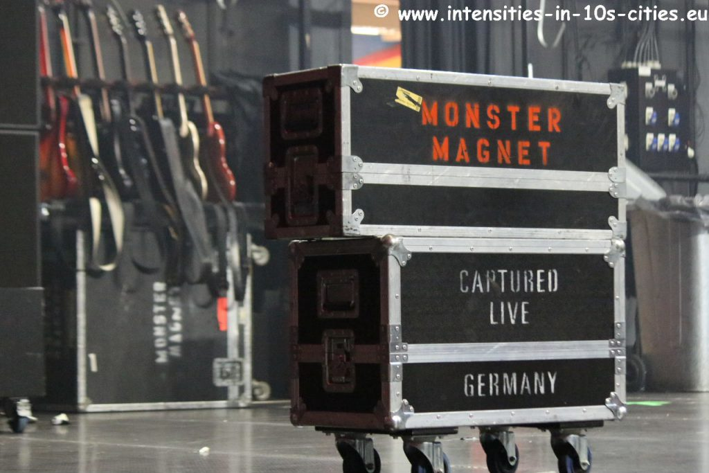 MonsterMagnet122012_0018.JPG